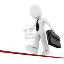 8164641-hombre-3d-empresario-caminando-sobre-la-delgada-linea[1]